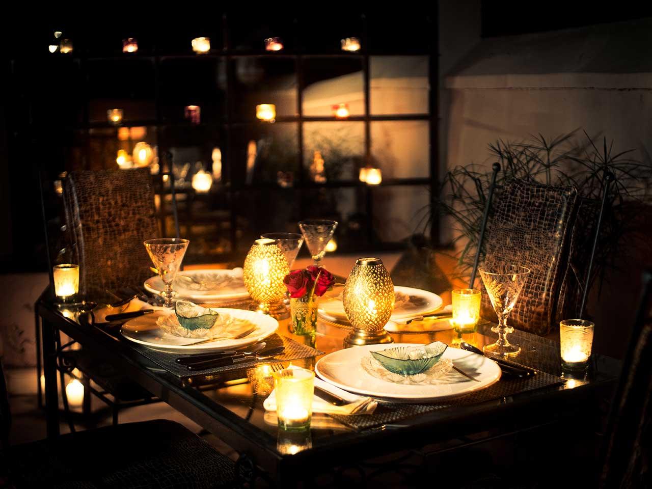 1001-Dining-